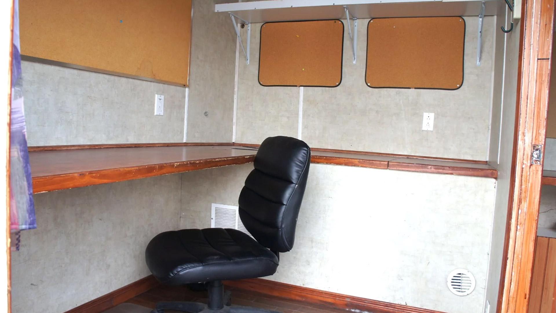 photo intérieur du Honey Wagon 02